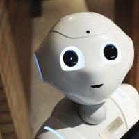robots-que-protegen-a-los-sanitarios-del-Coronavirus