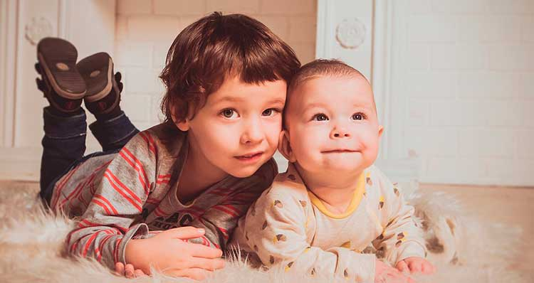 Los-hermanos-menores-suelen-ser-mas-rebeldes,-conflictivos-e-independientes-en-las-familias
